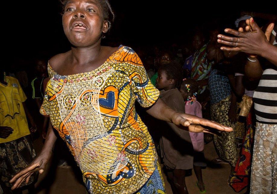 Мы хотим танцевать: Как выглядит сельская дискотека в Африке. Изображение № 16.
