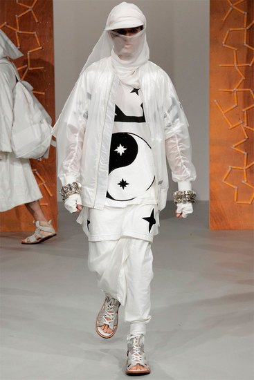Английская марка KTZ представила весеннюю коллекцию одежды. Изображение № 3.