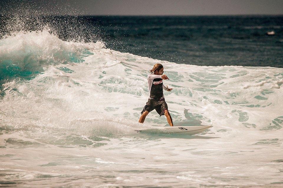 Russia Goes Surfing: Репортаж из серферского лагеря на Мальдивах. Изображение № 8.