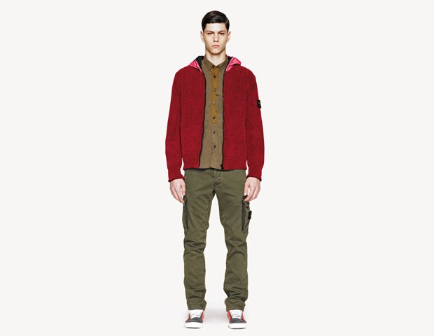 Марка Stone Island выпустила лукбук осенней коллекции одежды. Изображение № 25.
