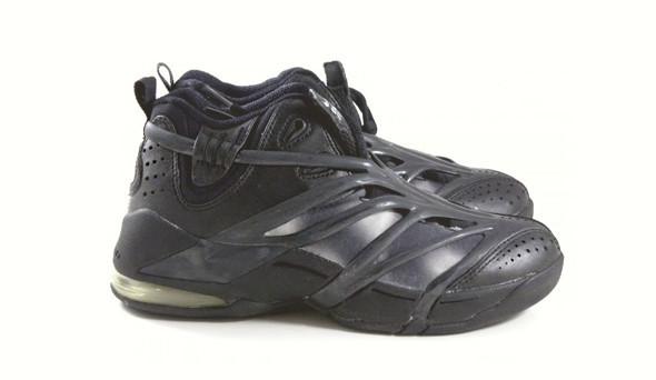 Поставить на ноги: 25 именных баскетбольных кроссовок. Изображение № 43.