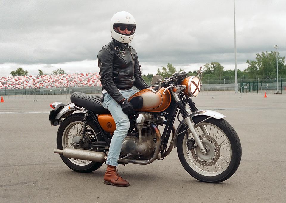 Фоторепортаж с гонки кастомных мотоциклов Nuts & Bolts. Изображение № 1.