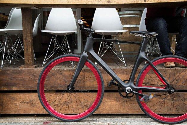 Велофирма Vanhawks собирает деньги на футуристический велобайк. Изображение № 1.