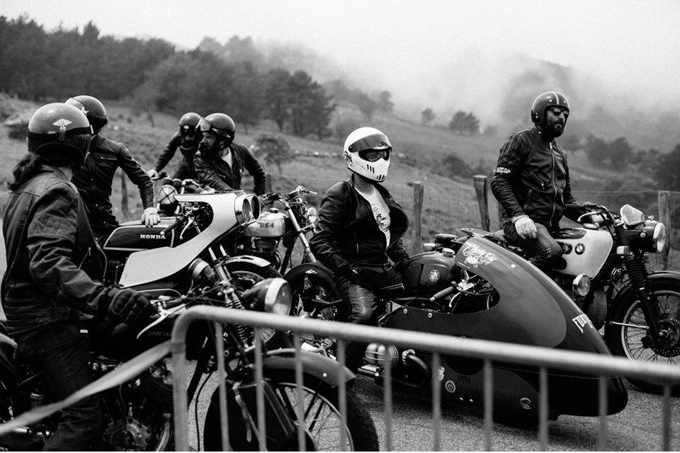 Фоторепортаж с мотоциклетного фестиваля Wheels & Waves. Изображение № 19.
