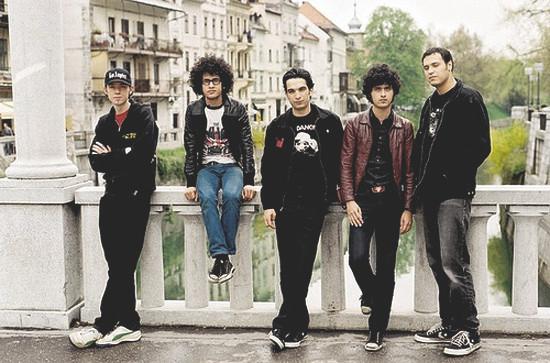 Участники At the Drive-In не станут записывать новый альбом. Изображение № 1.