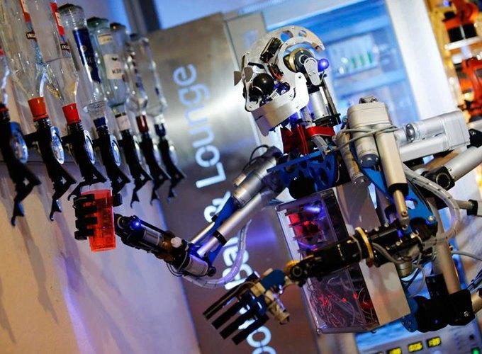 Школа барменов: Как люди пытаются научить роботов наливать выпивку и правильно смешивать коктейли. Изображение № 3.