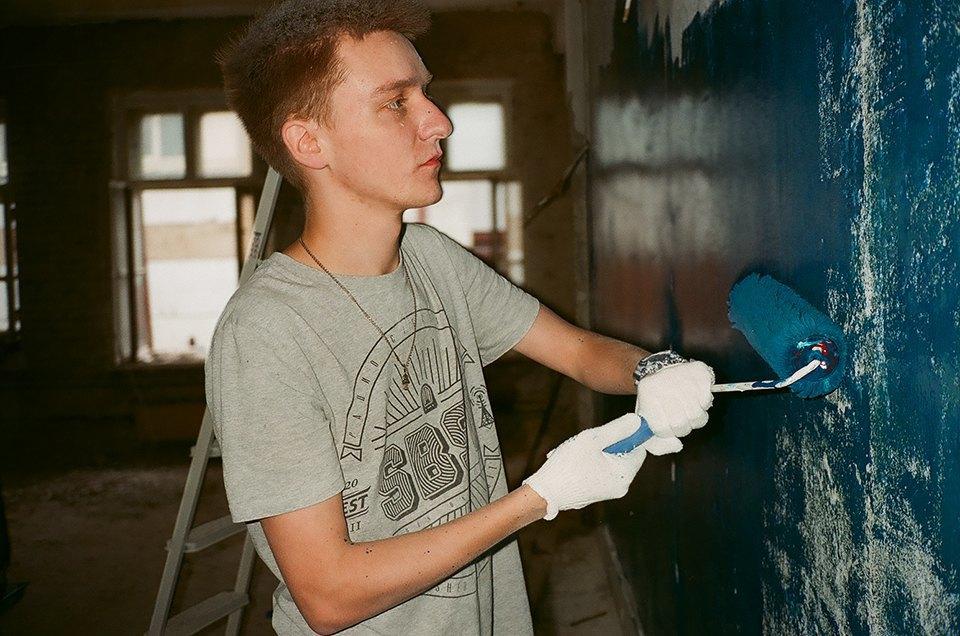 Фоторепортаж: Как мы сделали ремонт в мастерской силами редакции. Изображение № 32.