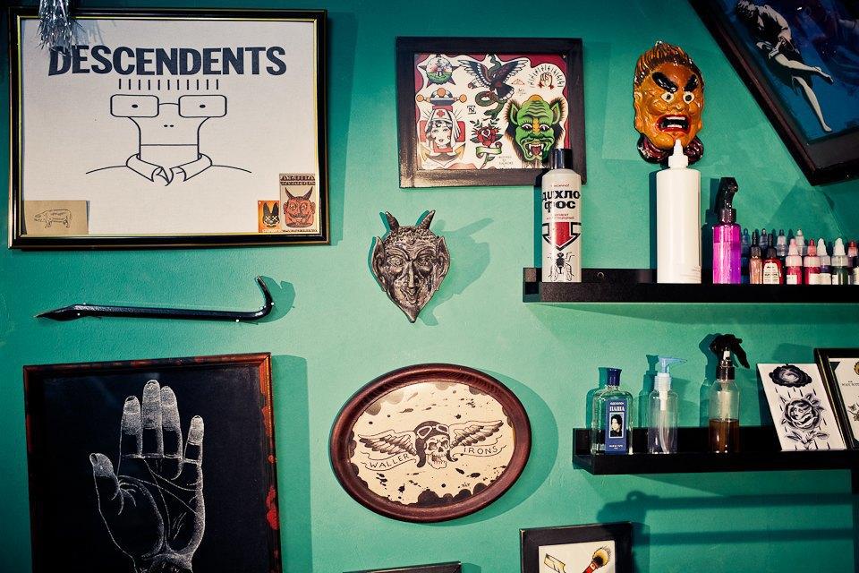 Бьет — значит любит: Старейшие татуировщики Москвы и их лучшие работы. Изображение № 9.