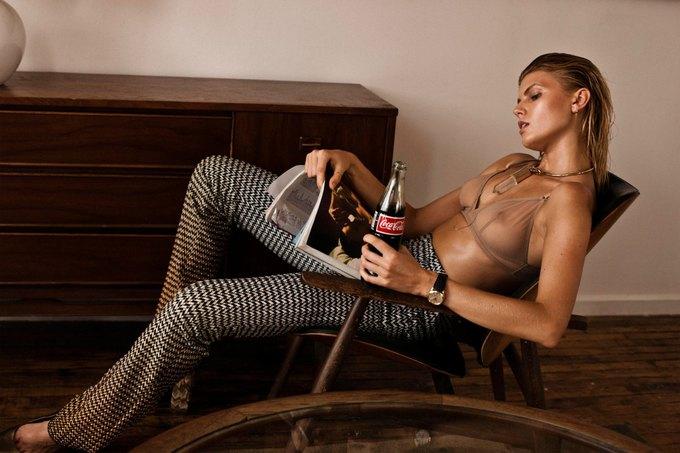 Белорусская модель Марина Линчук снялась для журнала 25 Magazine. Изображение № 1.