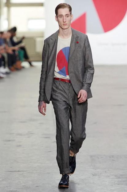 Марка Oliver Spencer выпустила летнюю коллекцию одежды. Изображение № 17.
