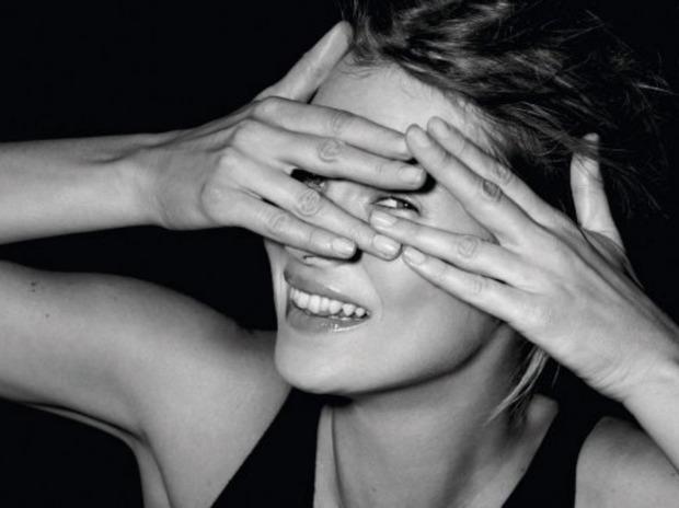 Кейт Мосс выпустила книгу своих фотографий. Изображение № 2.