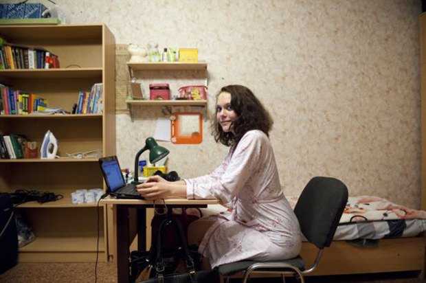 Фотограф Паскаль Дюмон заснял жизнь в студенческих общежитиях в Москве. Изображение № 5.