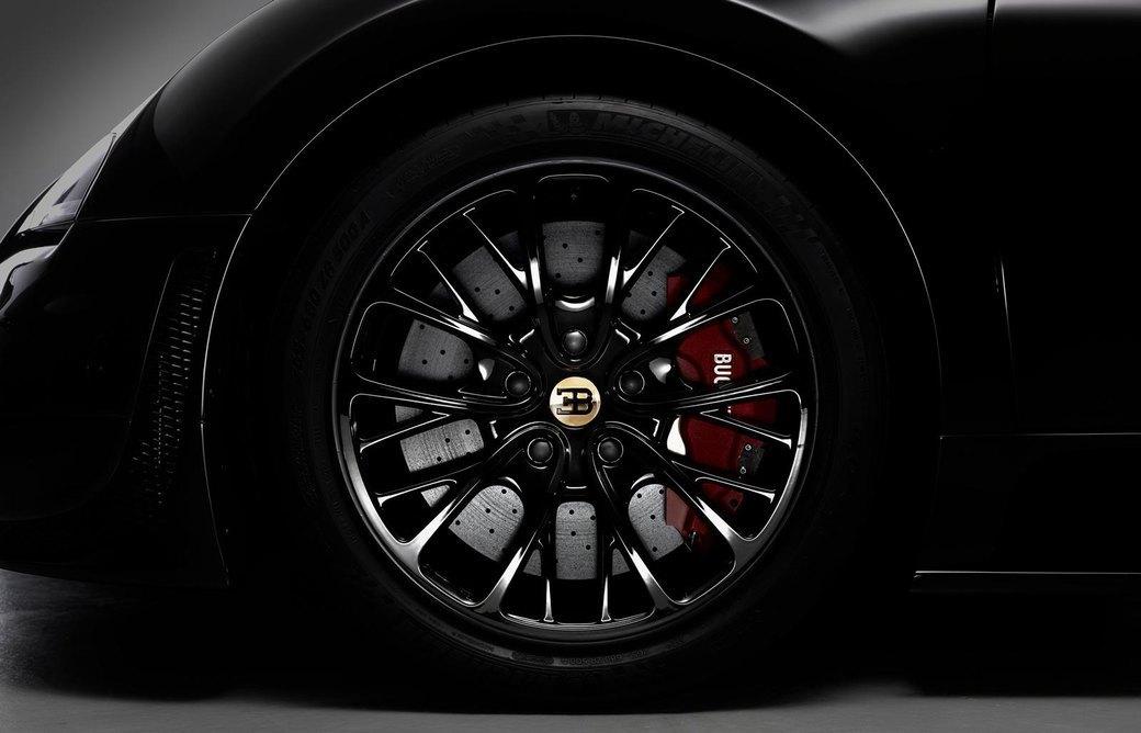 Bugatti представила отделанную золотом спецификацию Veyron Grand Sport Vitesse. Изображение № 5.
