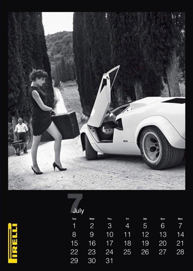 7 эротических календарей на 2014 год. Изображение № 43.