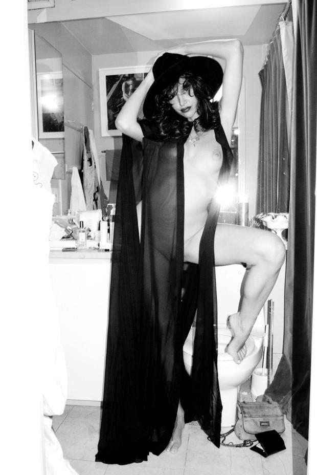Актриса Пас де ла Уэрта снялась у Терри Ричардсона. Изображение № 9.