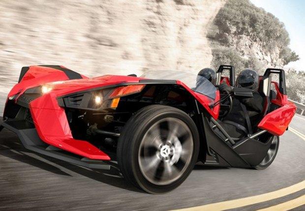 Трёхколёсный спорткар Polaris Slingshot вышел под маской мотоцикла. Изображение № 2.