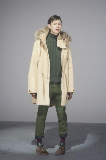 Японская марка Undercover выпустила лукбук осенней коллекции одежды. Изображение № 19.