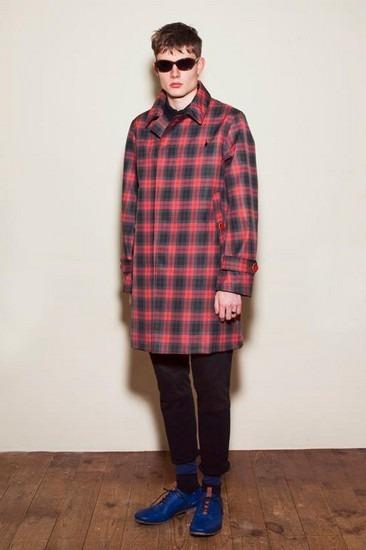 Марка Undercover опубликовала лукбук весенней коллекции одежды. Изображение № 17.