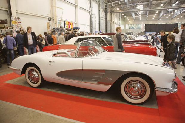 Машина времени: 8 лучших ретроавтомобилей с выставки «Олдтаймер». Изображение № 43.