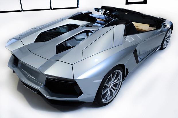 Lamborghini представили новый суперкар Aventador LP700-4 Roadster . Изображение № 11.