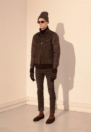 Марка Undercover опубликовала лукбук осенней коллекции одежды. Изображение № 39.