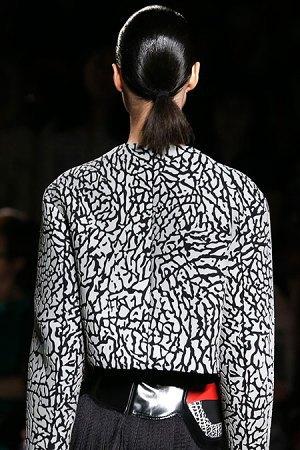 Александр Вэнг представил одежду, вдохновлённую дизайном сникеров. Изображение № 2.