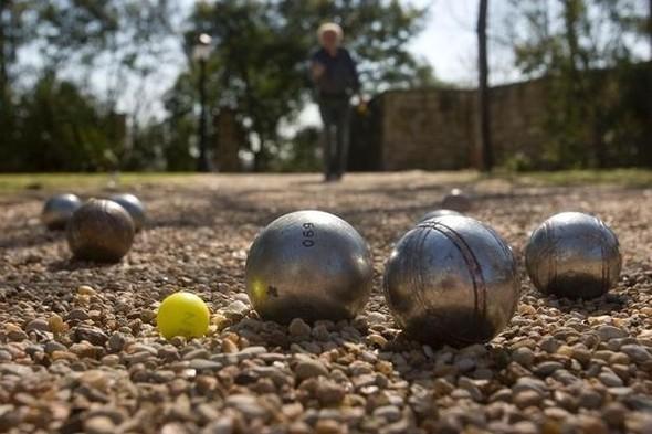 Плей бой: Пинг-понг, фрисби, петанк, городки, бейсбол. Изображение № 1.