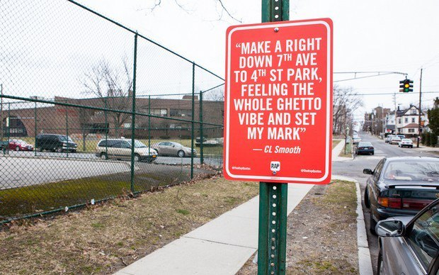 Нью-йоркский художник Джей Шеллс крепит к столбам таблички с рэп-цитатами. Изображение № 24.