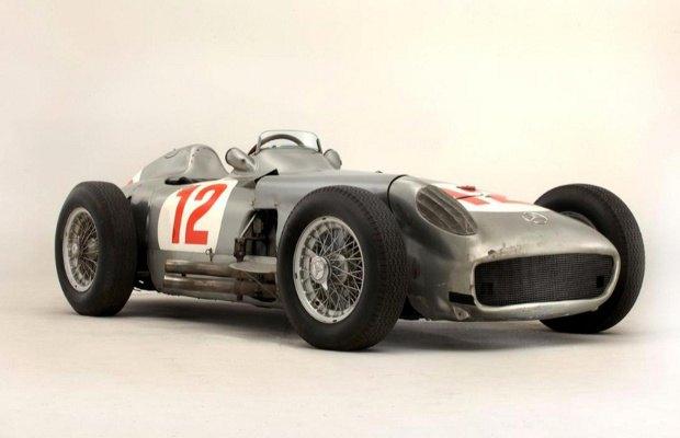 Самый дорогой болид «Формулы-1» в истории ушел с молотка. Изображение № 1.