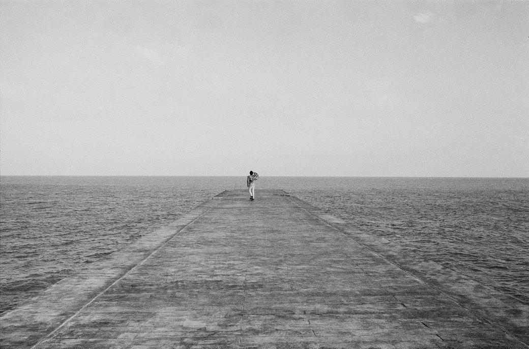 «Когда земля кажется лёгкой»: Грузинские скейтеры в фотографиях Давида Месхи. Изображение № 12.