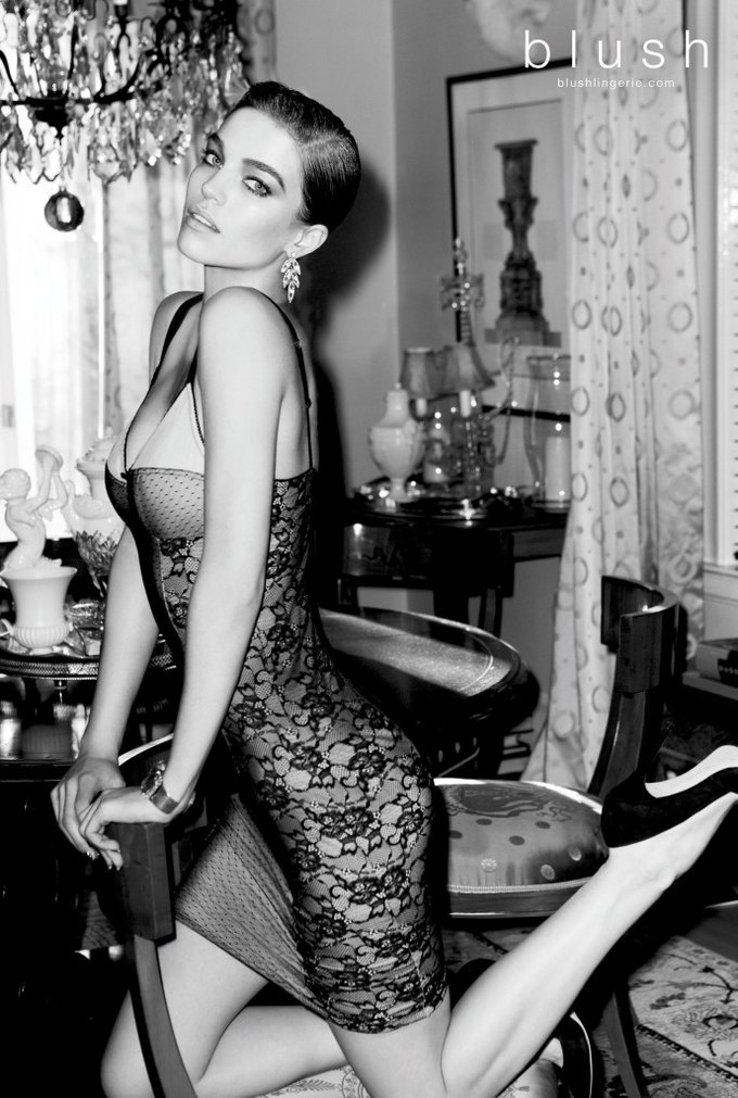 Модель Саманта Градовилль снялась в рекламе Blush. Изображение № 3.