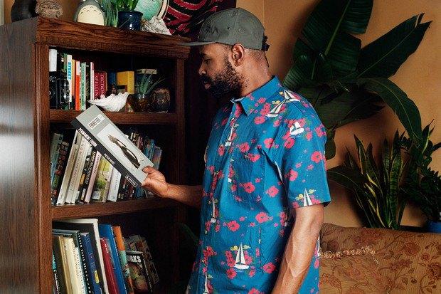 Американский ритейлер Вodega опубликовал лукбук весенней коллекции одежды. Изображение № 3.