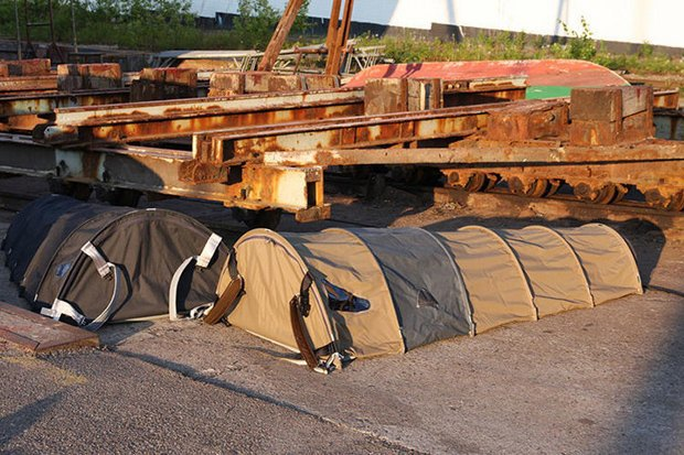 Датский дизайнер создала рюкзак-убежище. Изображение № 3.
