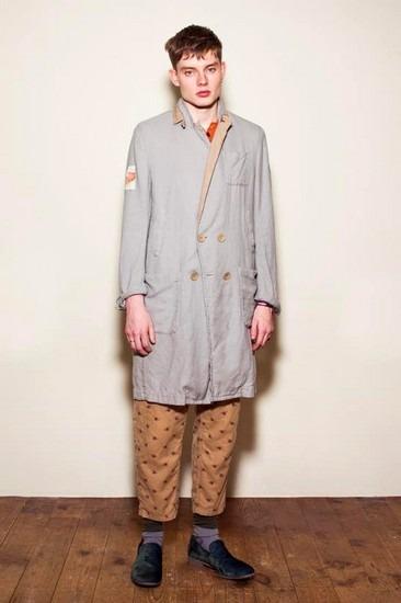 Марка Undercover опубликовала лукбук весенней коллекции одежды. Изображение № 8.