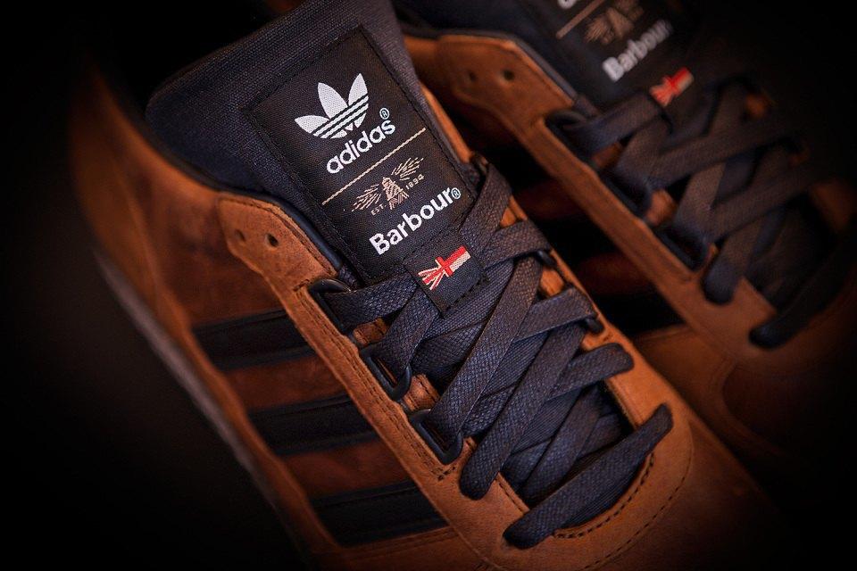 Марки adidas Originals и Barbour выпустили капсульную коллекцию. Изображение № 2.