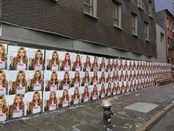 Кейт Мосс снялась в рекламной кампании Supreme. Изображение № 4.