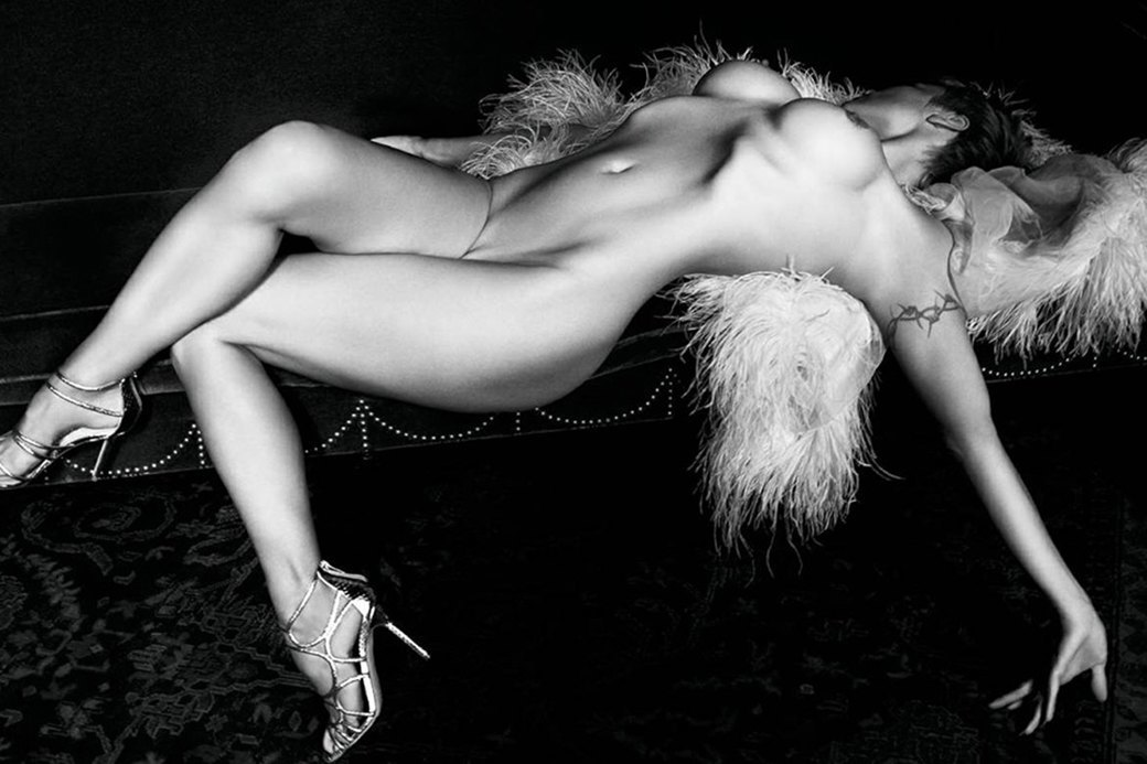 Памела Андерсон сфотографировалась обнажённой для нового номера французского журнала Purple. Изображение № 5.