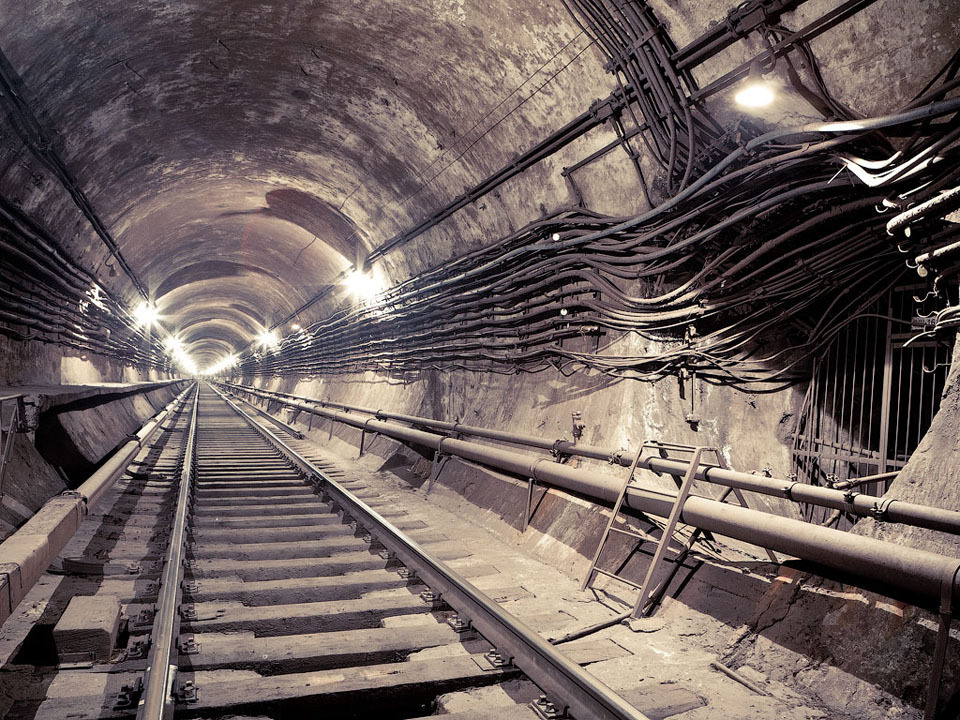 Метро как подземелье, бомбоубежище и угроза: Интервью с исследователем подземки. Изображение №11.