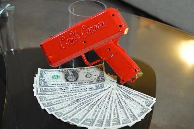 В продажу поступила «денежная пушка» для стрип-клубов. Изображение № 1.