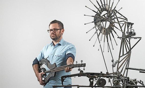 Художник Педро Рейес создал механический оркестр из огнестрельного оружия. Изображение № 5.
