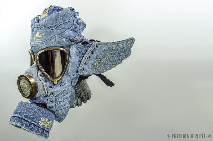 Freehand Profit: Противогазы из дизайнерских кроссовок. Изображение № 5.