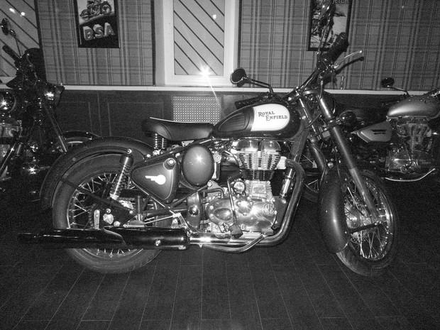 В Москве официально открылся салон мотоциклов Royal Enfield. Изображение № 5.