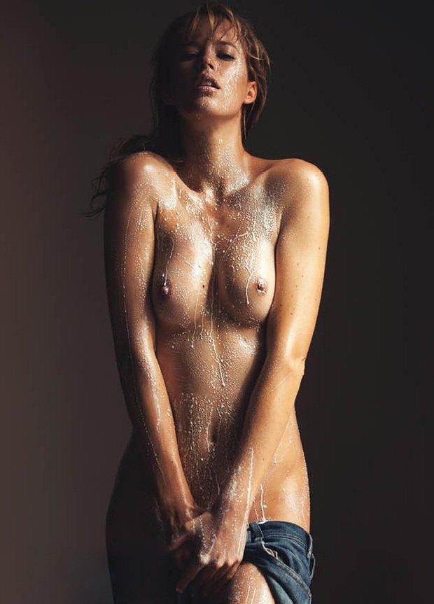 Фотограф Дэвид Беллемер опубликовал съемку для нового номера журнала Treats!. Изображение № 4.