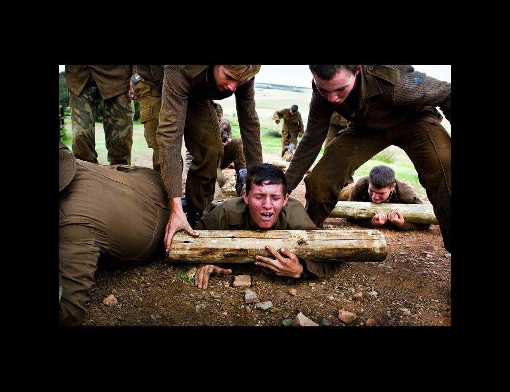 Как подростков ЮАР обучают межрасовой войне в националистических лагерях . Изображение № 3.
