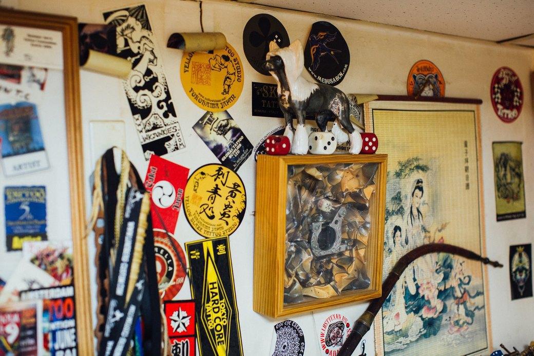 Татуировщик Дмитрий Захаров об одной из самых больших коллекций тату-машинок в Европе. Изображение № 17.