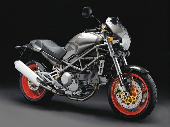 Современная классика: Гид по Ducati Monster как одному из лучших дорожных мотоциклов. Изображение № 9.