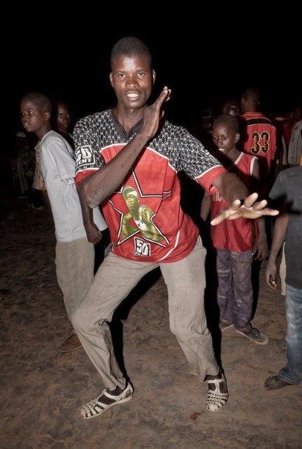 Мы хотим танцевать: Как выглядит сельская дискотека в Африке. Изображение № 5.