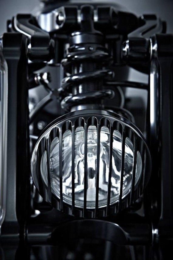Мастерская  Rough Crafts представила кастомный мотоцикл на базе Harley-Davidson. Изображение № 7.