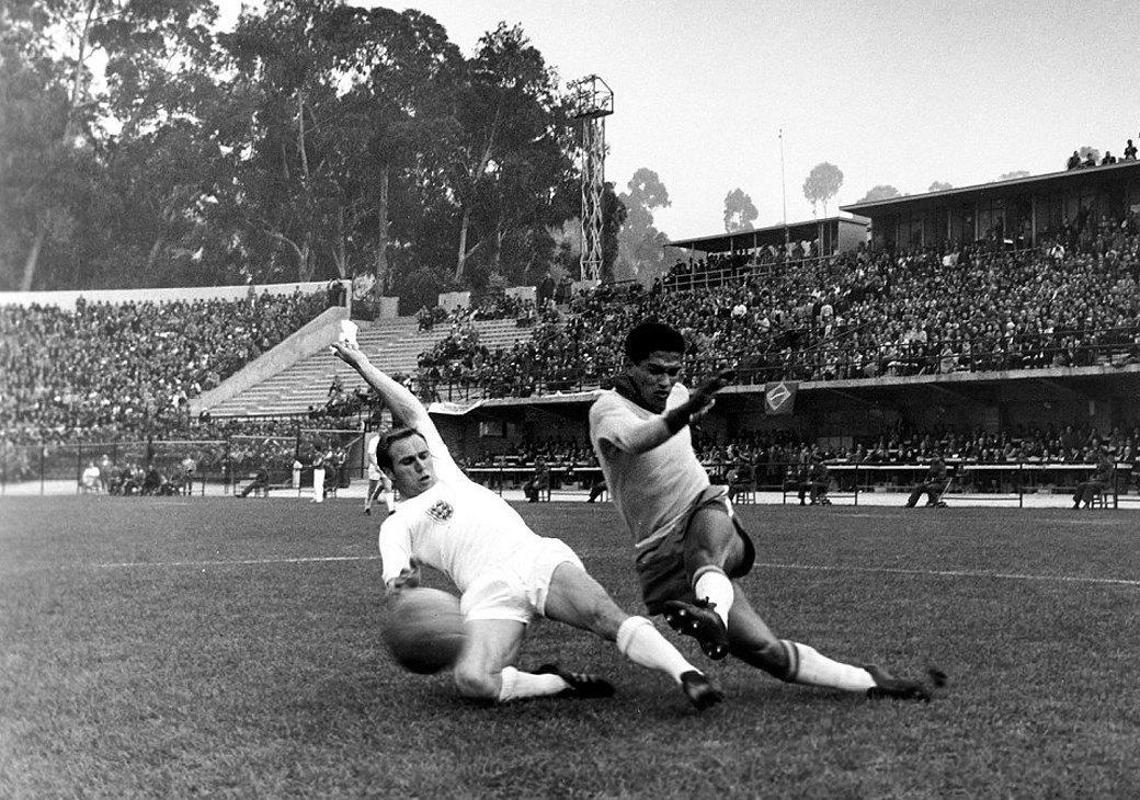 Гарринча: «Великий хромой» бразильского футбола. Изображение № 5.
