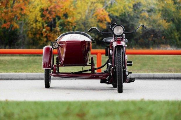 На аукционе Bonhams выставлен на продажу мотоцикл Стива Маккуина Indian Big Chief 1923 года. Изображение № 5.